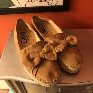 Sam Edelman size 7.5 shoes. 🐸*